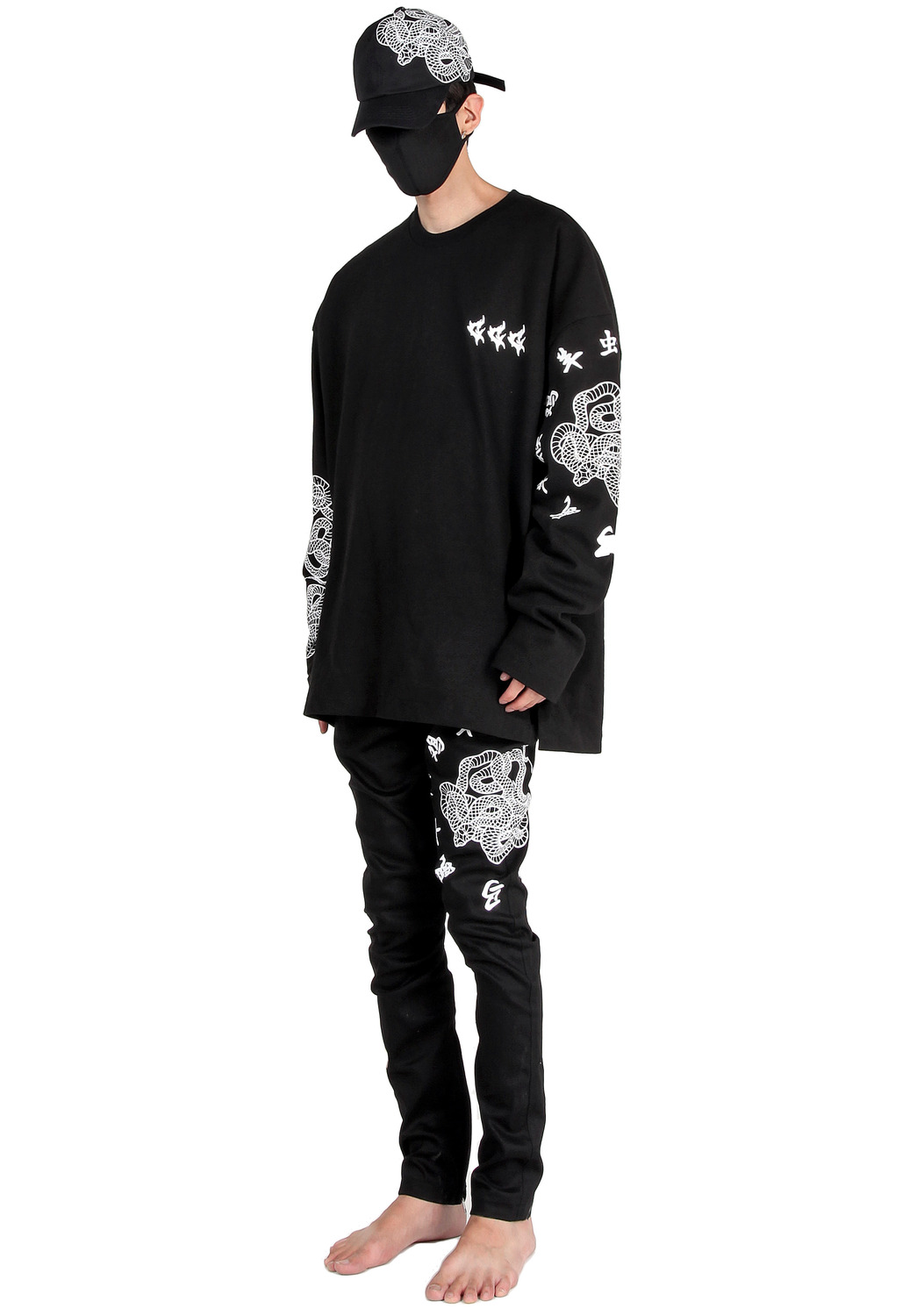 SNAKE ARM TATTO LETTERING LONG SLEEVE T-SHIRTS